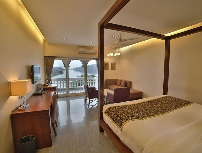 Deluxe Rooms, Jaisamand Island Resort